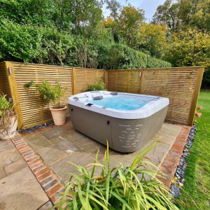 Jacuzzi® J-575IP™ HOT TUB