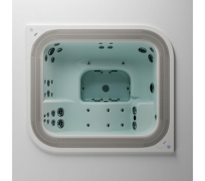 Jacuzzi® Virtus™ HOT TUB